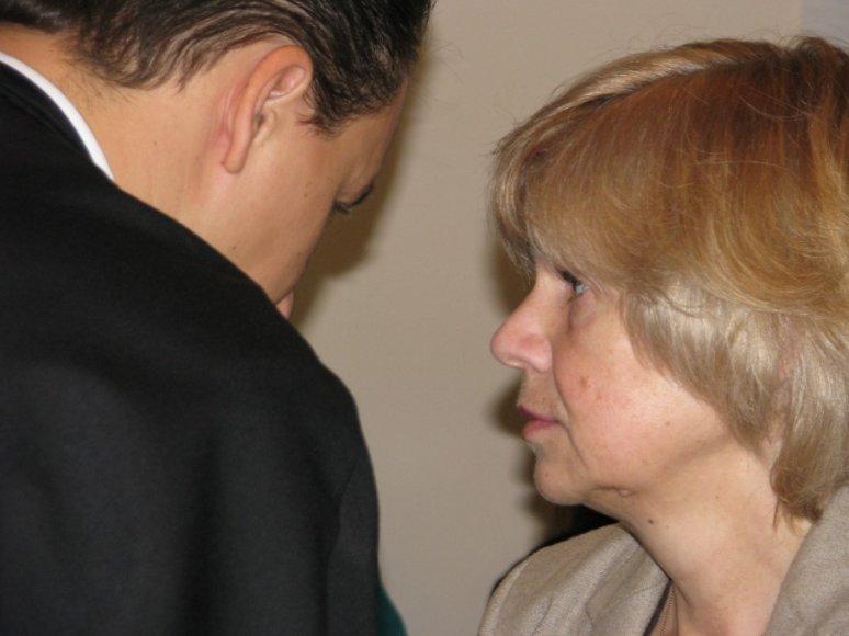 Valdareza Beleškienė su advokatu Justu Jankausku