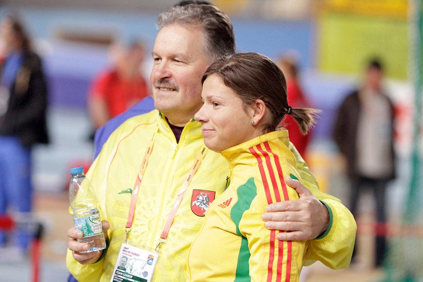 Treneris Edmundas Norvilas ir sprinterė Lina Grinčikaitė