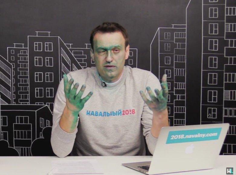 Aleksejų Navalną vėl apipylė briliantine žaluma
