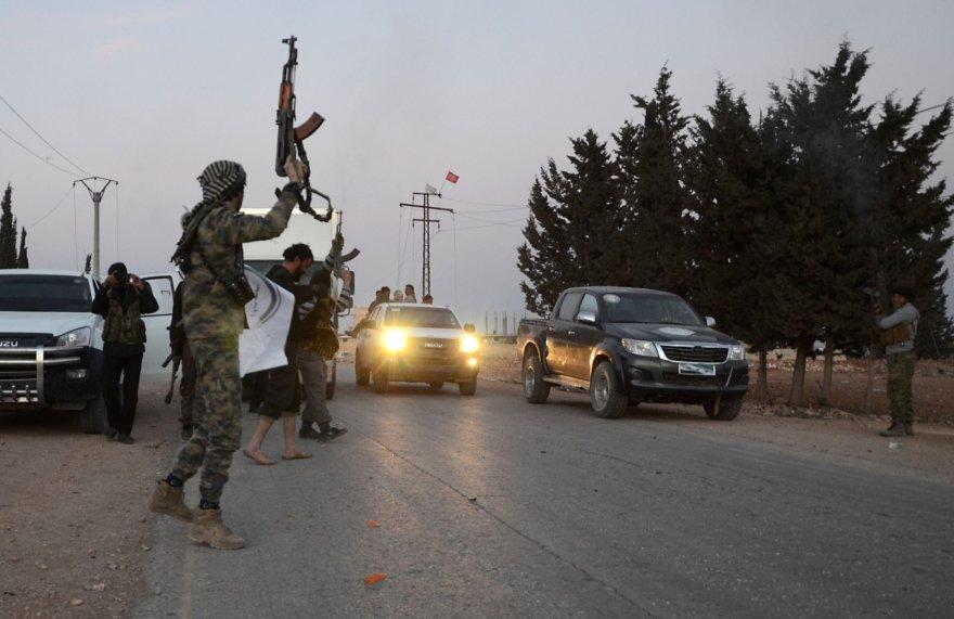 Sirijos sukilėliai stabdo automobilius