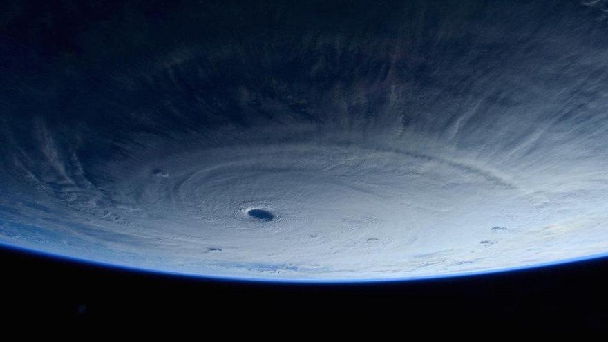 Taifūnas Maysak iš kosmoso