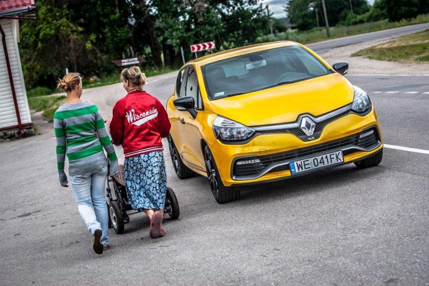 """Renault Clio RS"""