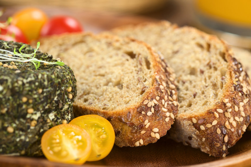 Visadalių grūdų duona