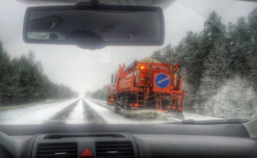 Keliai Vilniaus apskrityje trečiadienį buvo slidūs