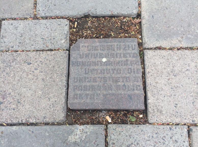 Atminimo lenta Laisvės alėjoje