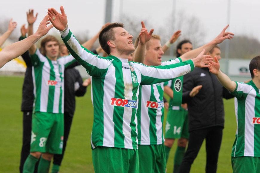 Mantas Kuklys (priekyje) tikina, kad labiausiai džiaugiasi komandos pergalėmis, o ne savo pasiekimais.