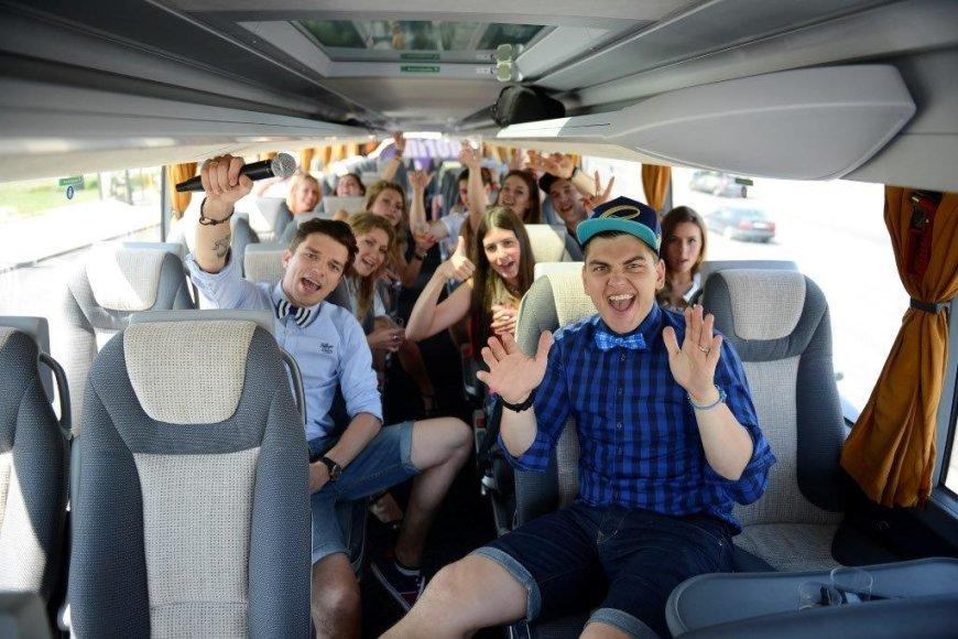 Radistai išbandė visus autobuso privalumus