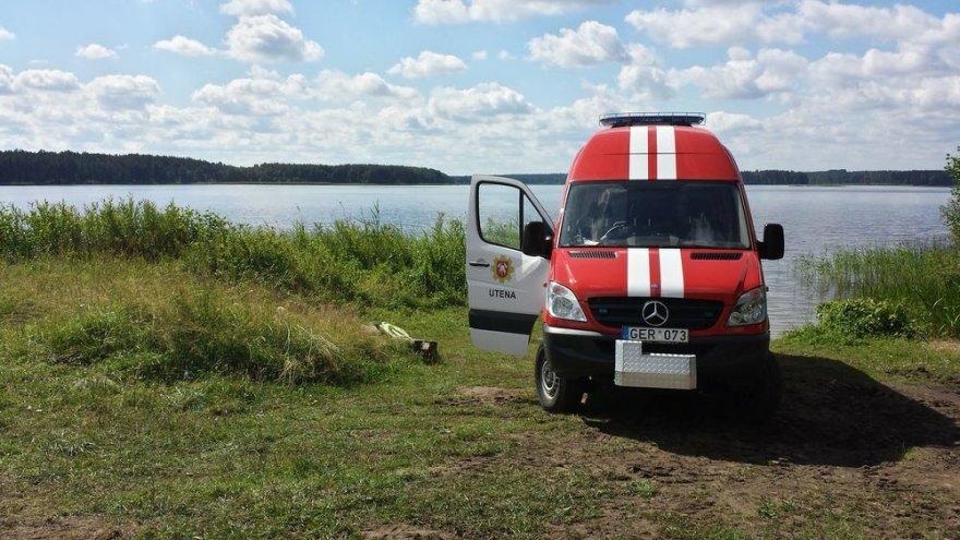 Arino ežere vykdomos skenduolių paieškos