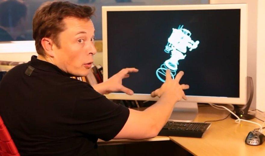Elonas Muskas parodė, kaip rankomis erdvėje modeliuoti raketą