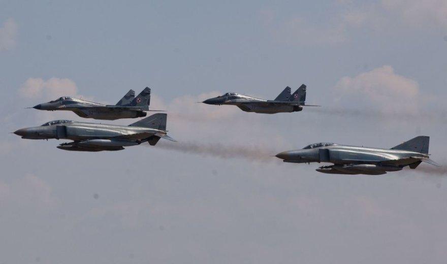 Lenkijos karinės oro pajėgos saugos Baltijos šalių oro erdvę