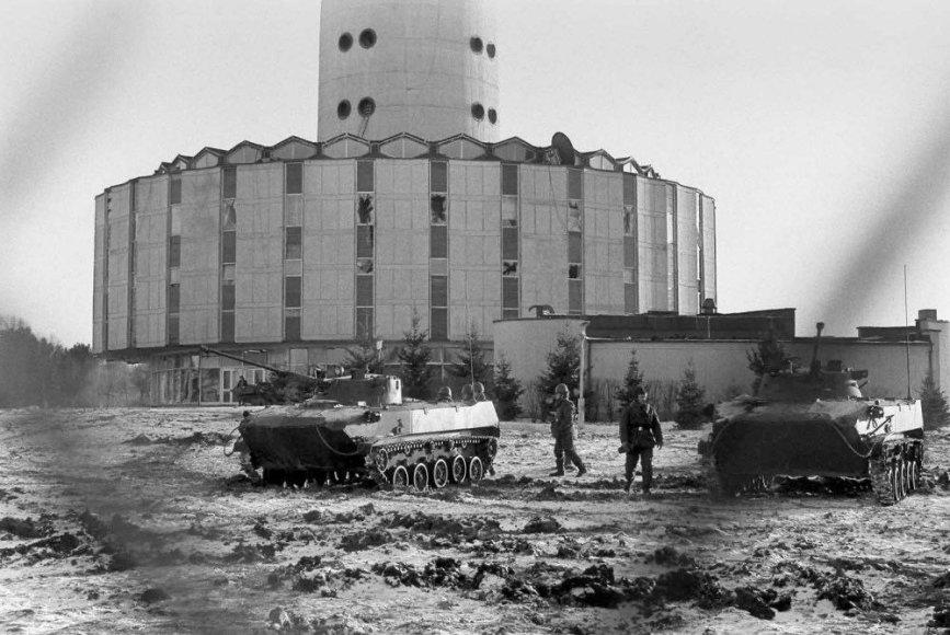 Kariniai veiksmai prie televizijos bokšto Vilniuje 1991 m. sausio 11-13 d.