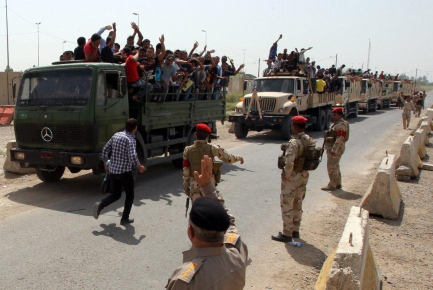 Savanoriai, prisijungę prie Irako pajėgų, kovojančių su prie sostinėes artėjančiais džihadistais