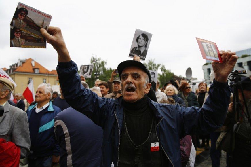 Lenkai protestavo laidojant paskutinį šalies komunistinį lyderį Wojciechą Jaruzelskį
