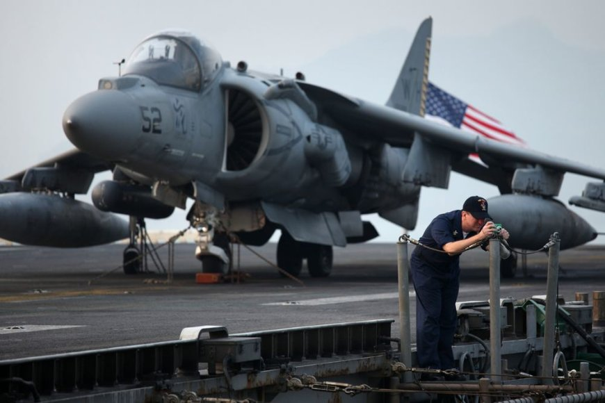 """Naikintuvas """"AV-8B Harrier"""""""