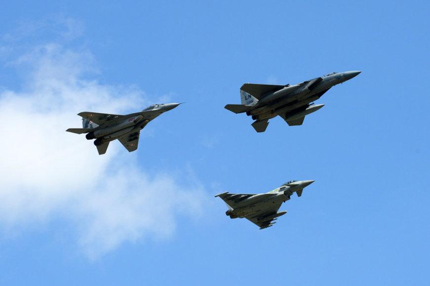 NATO oro policijos misijos Baltijos šalyse kontingentų pasikeitimo ceremonija