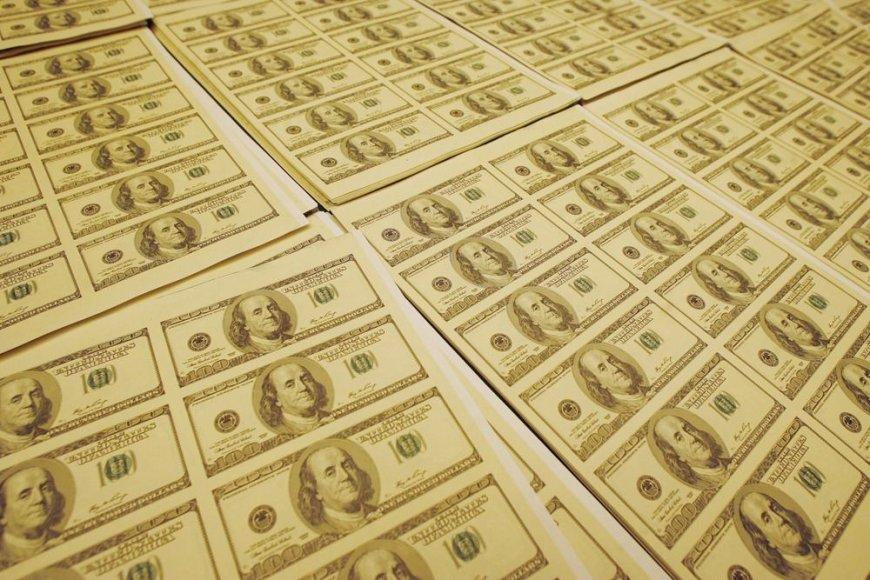 Padirbti doleriai