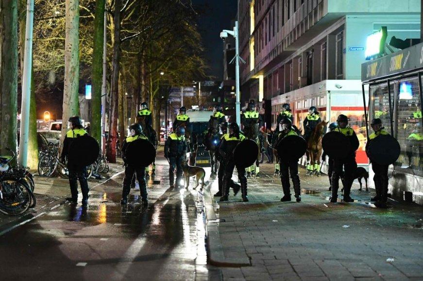 Policija vaikė protestuotojus