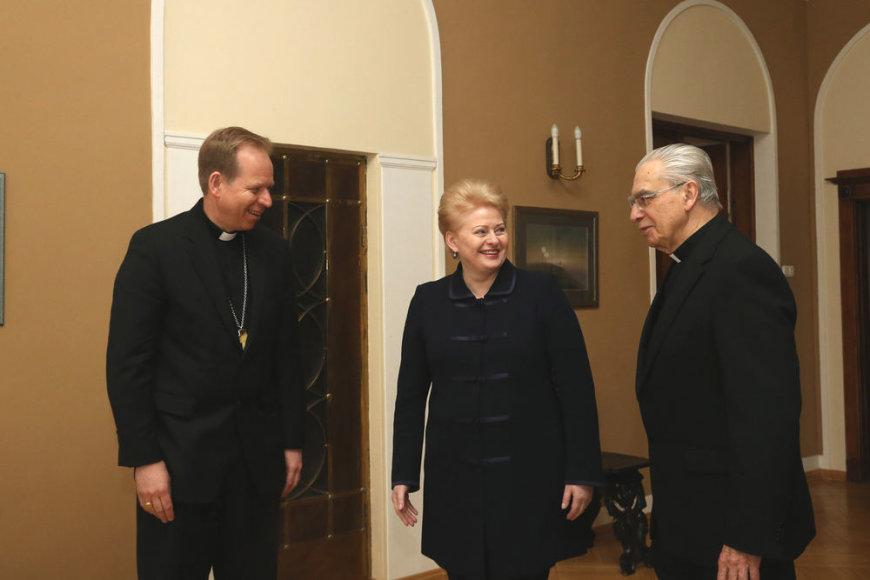 Prezidentė Dalia Grybauskaitė susitiko su kardinolu Audriu Juozu Bačkiu ir naujuoju Vilniaus arkivyskupu metropolitu nominatu Gintaru Grušu