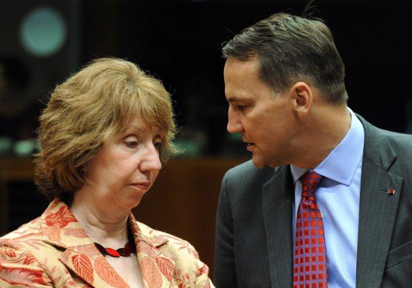 ES diplomatijos vadovė Catherine Ashton ir Lenkijos užsienio reikalų ministras Radoslawas Sikorskis