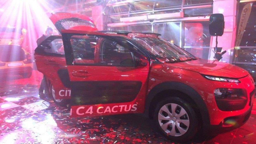 """""""Citroën C4 Cactus"""" jau Lietuvoje! Kas pirmas sės prie jo vairo?"""