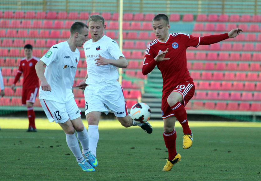 """""""Sūduvos"""" ir """"Ekrano"""" klubai sužaidė rezultatyvų mačą 2:2"""