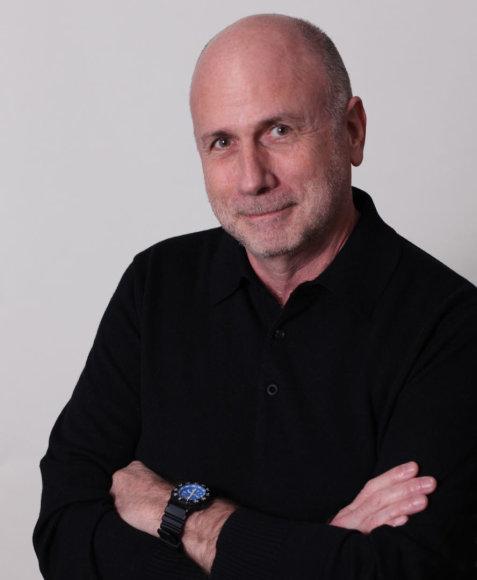 """Buvęs """"Apple"""" kūrybos vadovas Kenas Segallas"""