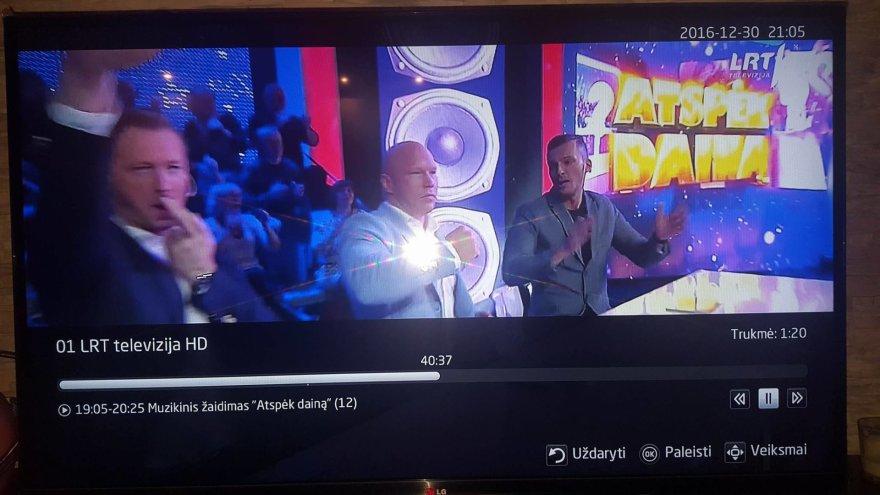 """Linas Lapėnas dar prieš Astos Baukutės sukeltą skandalą rodė Hitlerio gestus LRT laidoje """"Atspėk dainą"""""""