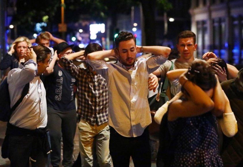 """Reuters""/""Scanpix"" nuotr./Londone mikroautobusas taranavo nekaltus žmones"