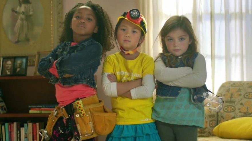 """GoldieBlox"" reklamos žvaigždės: Raven, Sabrina ir Reese"