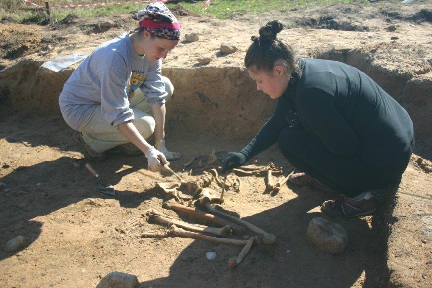 Archeologai atidengia neolito laikų kapą.