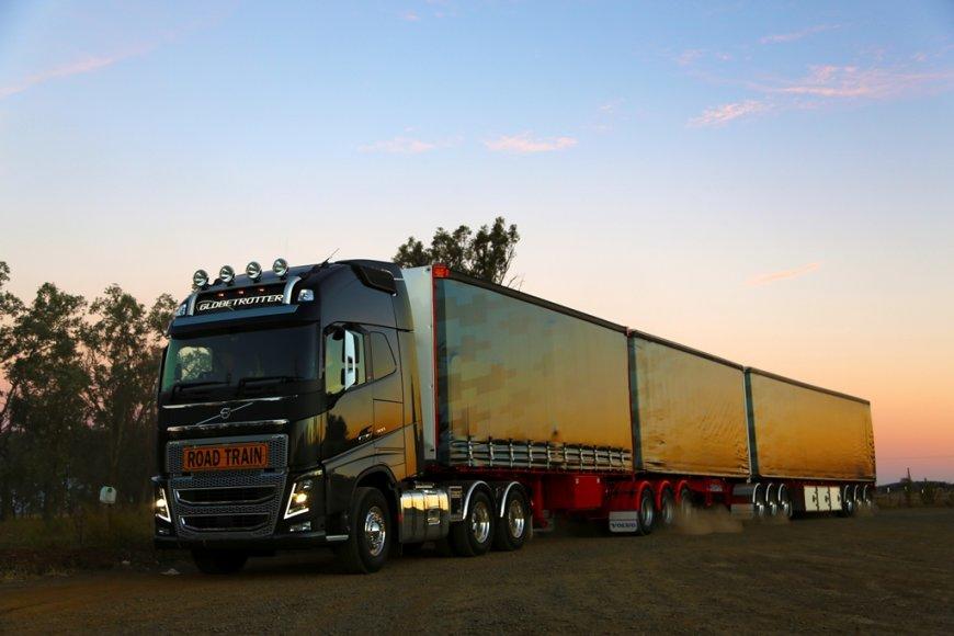 """""""Volvo FH16"""" bandomasis važiavimas Australijoje"""
