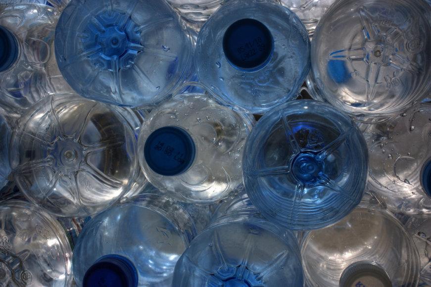 Vanduo buteliuose