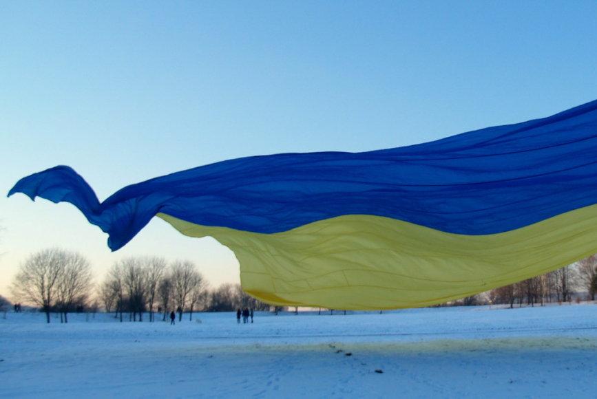 Ukrainai kauniečiai stiprybės linkėjo leisdami aitvarus