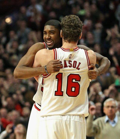 """E'Twaunas Moore'as padėjo """"Bulls"""" įveikti """"Thunder"""" klubą"""