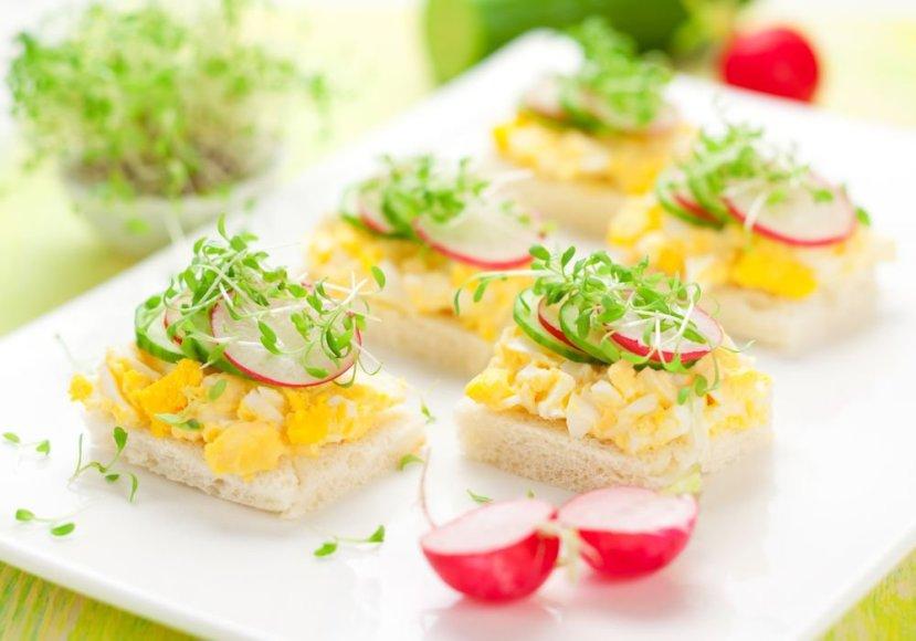 Užkandukai su kiaušiniais ir žalumynais