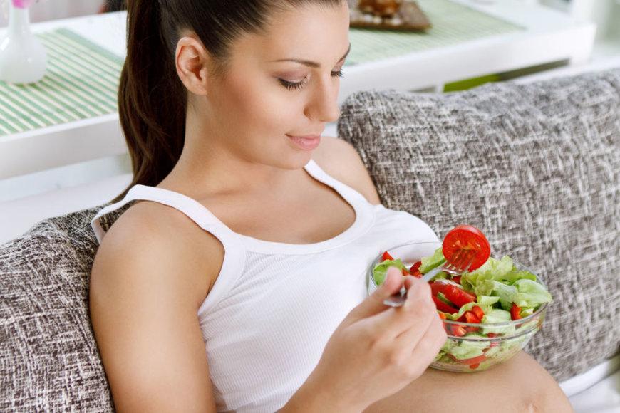 Nėštumo metu ypač svarbi sveika mityba