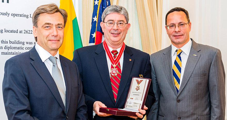 G.Weigelis apdovanotas diplomatijos žvaigžde