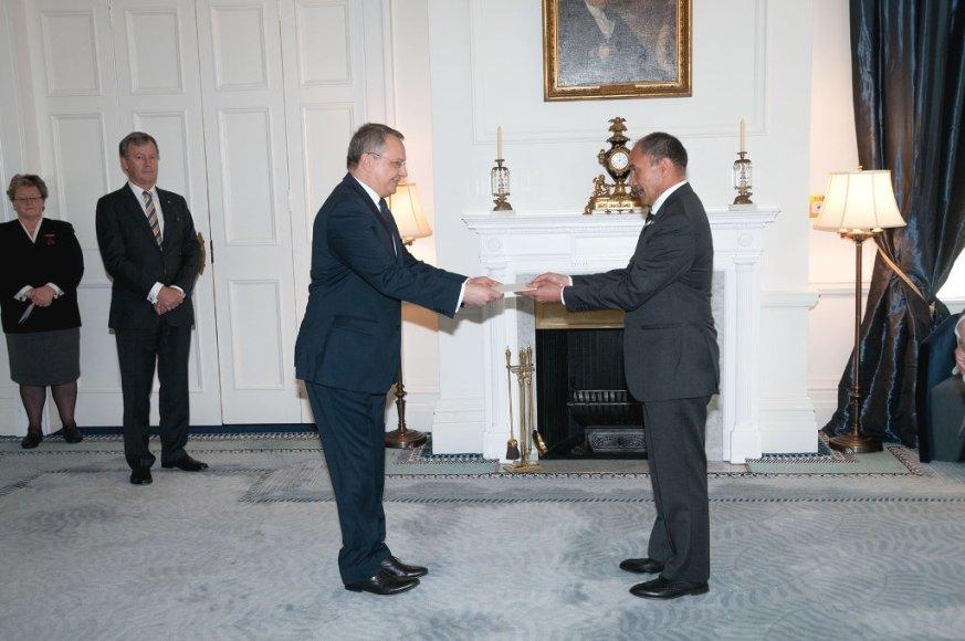 Lietuvos ambasadorius Egidijus Meilūnas rugpjūčio 26 dieną įteikė skiriamuosius raštus Naujosios Zelandijos Generaliniam Gubernatoriui Jerry Mateparae.