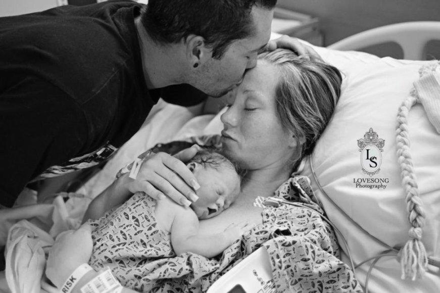 Tėvai dalijasi savo ir savo negyvo sūnaus nuotrauka