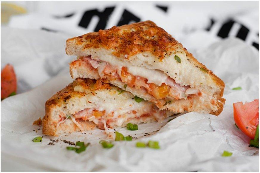 Karšti sumuštiniai su kumpiu ir sūriu