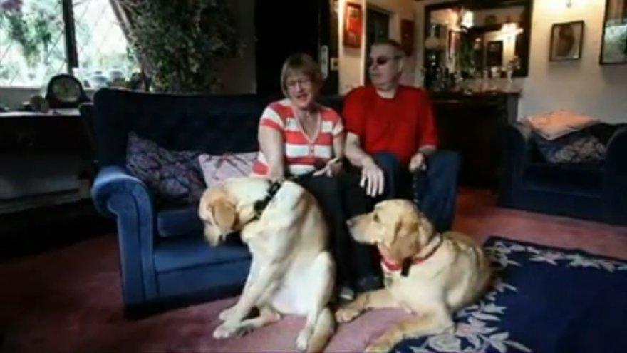 Claire Johnson ir Markas Gaffey su savo šunimis
