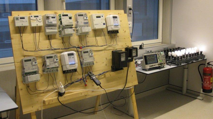 Elektros skaitiklių tikrinimo sistema