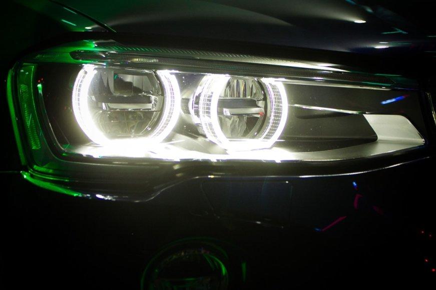 BMW X4 pristatymas Vilniaus kino klasteryje
