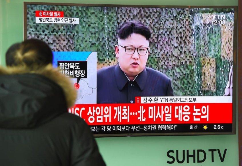 Šiaurės Korėja vėl kelia įtampą regione