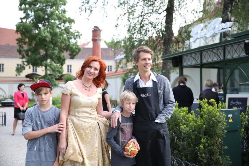 Giedrius Masalskis su žmona Asta ir sūnumis