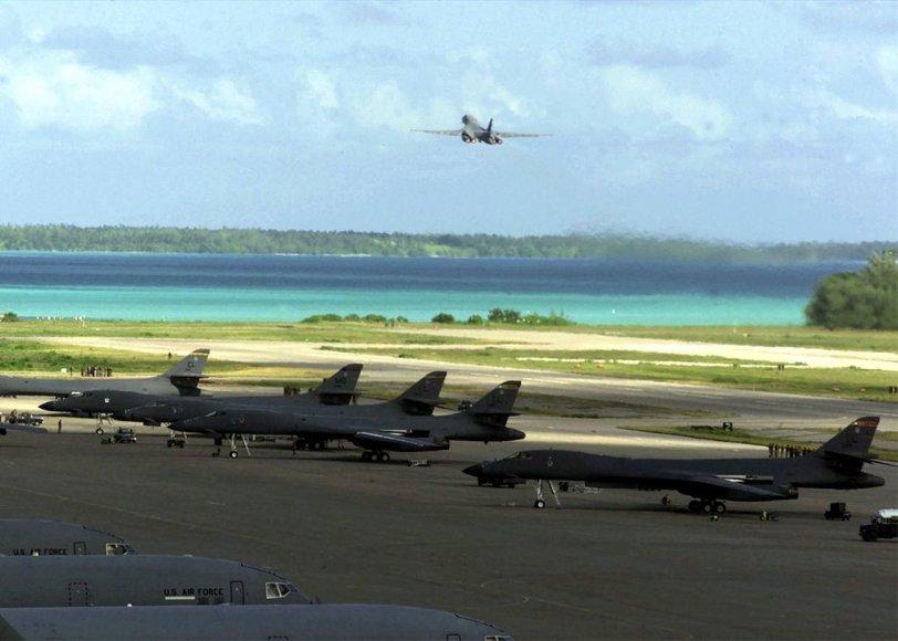 JAV strateginiai bombonešiai Diego Garsijos saloje