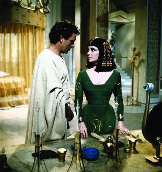 Elizabeth Taylor ir Richardas Burtonas – du žmonės, daugiausia lėmę ne tik filmo sėkmę, bet ir daugelį jo problemų