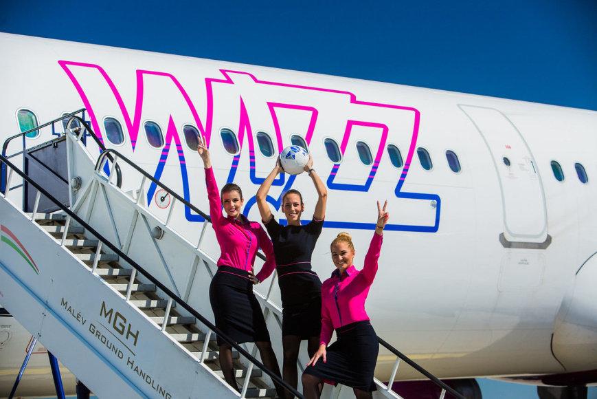 """""""Wizz Air"""" skrydžio palydovės"""