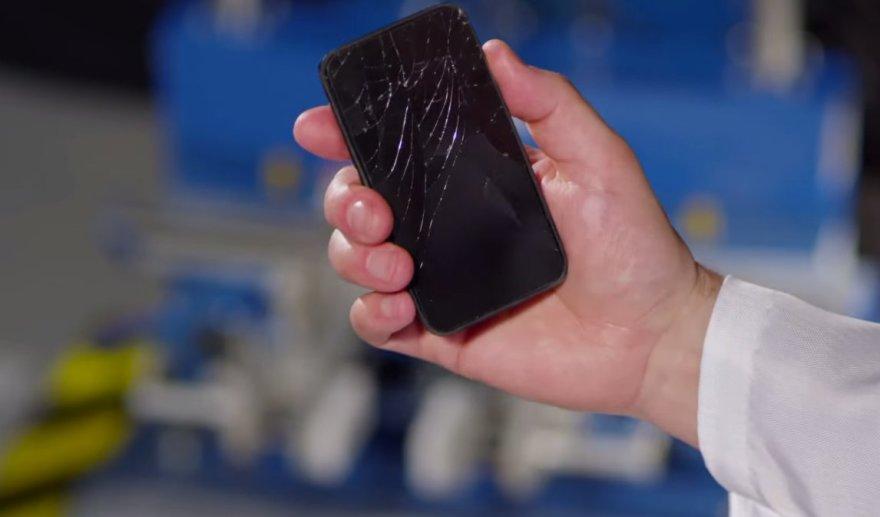 Gorilla Glass 4 stiklas turėtų būti gerokai atsparesnis
