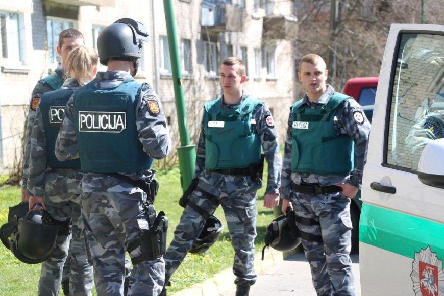 Klaipėdos mieste pareigūnai surengė pratybas ir mokėsi likviduoti visuomenei kilusias grėsmes.